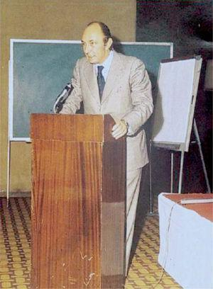 El profesor José Cabré en un congreso en Madrid en 1977.