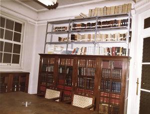 Biblioteca de la AEDV hasta el 1993 en el Dispensario Olavide. Calle Sandoval, 7. Madrid.