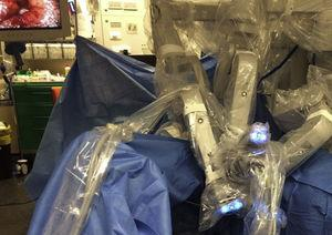 Sistema quirúrgico da Vinci Si (Intuitive Surgical, Sunnyvale, CA, EE.UU.).
