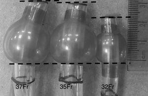 Diferença do balonete à ponta de aproximadamente 1cm entre o DLT de 32Fr e outros DLTs devido às diferentes superfícies articulares no balonete brônquico.
