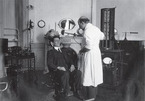 Consultorio de Carelli, Sección de Electroterapia.