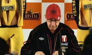 Sergio Markarián anuncia la lista de convocados de la selección peruana (Cristal Perú, 2011: 0′08′′).