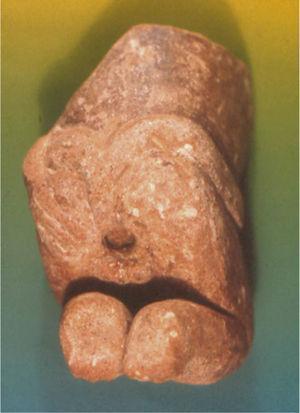 Hombre con dilatación anal. Cultura Tumaco-La Tolita.