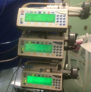 Piston-type pumps for sedoanalgesia perfusion.