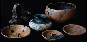 Vasijas funerarias del Entierro 4, Montículo 11.
