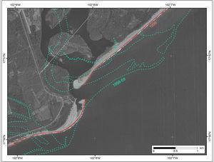 Cambio de trayectoria del distributario izquierdo en la desembocadura (Boca de San Francisco) entre 1958-1959 (color verde) y 1996 (color rojo).
