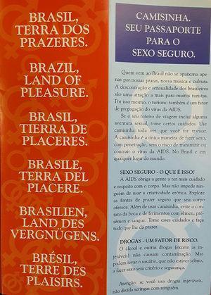 Folleto multilingüe de Brasil, que se refiere a su popularidad como destino turístico.