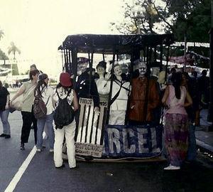 """La cárcel: """"Acá los tienen presos, centre"""" (10 de diciembre de 1995). Fuente: Archivo Potencia Tortillera."""
