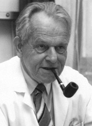 Rudolf W. Ammann (1926-2015) del Medezinische Poliklinik de Zúrich que en 1987 describió la pancreatitis crónica idiopática.