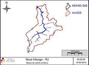 Polígono delimitador da bacia do rio Santo Antônio construído pela interface MOHID GIS e pelo software ArcGIS 10.