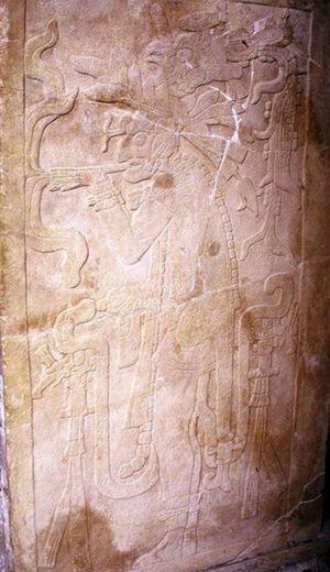 Templo de la Cruz, Palenque. Uso ceremonial del tabaco.