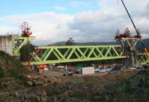 Hoisting sequence for 465-t approach span 12 between A2 and P11.