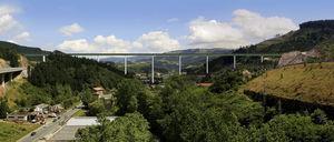 Fotomontaje del viaducto en la solución mixta con alma llena empujada.