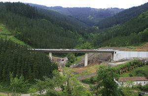 Olzaileko Brook Viaduct.