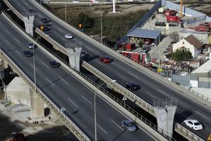 Pilas del viaducto, en la situación previa a la construcción del tablero.