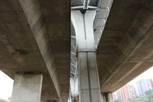 Pier of the Bus-HOV viaduct.