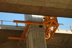 Fastening of the auxiliary metal structure to the concrete pier.