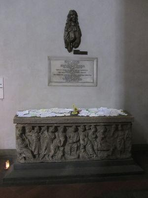 Stensen's sarcophagus inside the chapel with requests for intercession.