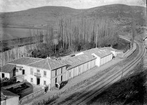 El complejo harinero El campo de Alar del Rey en torno a 1870.