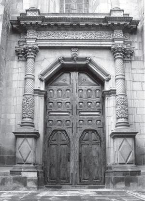 Portada lateral de la iglesia Catedral. Fotografía: J. Armando Hernández Soubervielle, 2010.