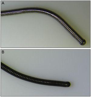Images of new guidewires obtained by stereo microscopy. A: nonpolymer-coated guidewire. B: polymer-coated guidewire.