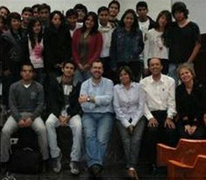 Clase en la UNMSM, con estudiantes peruanos.