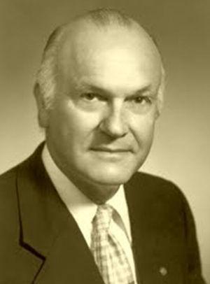 Harry Coover, descubridor de los cianoacrilatos.