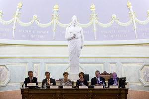 (From left to right): Dr. Javier Dávila Torres (Director of Medical Services in the Mexican Social Security Institute); Mr. Martin Hirsch (Director-General of Public Care –Paris Hospitals); Dr. Mercedes Juan López (Mexican Health Secretary); Ms. Marisol Touraine (French Health Minister); Prof. André Laurent Parodi (Honorary President of the French National Academy of Medicine, the delegate for relations with Mexico); Dr. Enrique Graue Wiechers (President of the Mexican National Academy of Medicine).